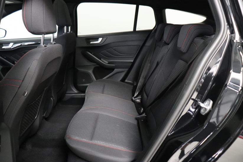 Ford Focus Sportbreak - 1.5 Ecoboost ST-Line